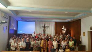 con los parroquianos