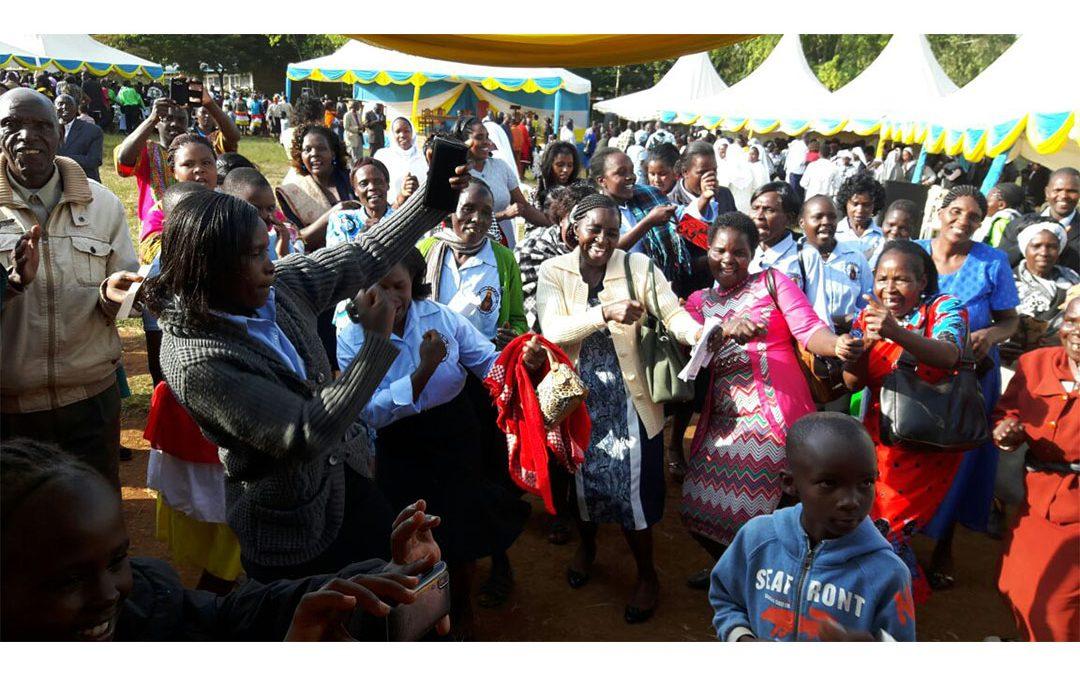 Lorenzo Muthee M'gaiti se ordena sacerdote en Meru/Kenia