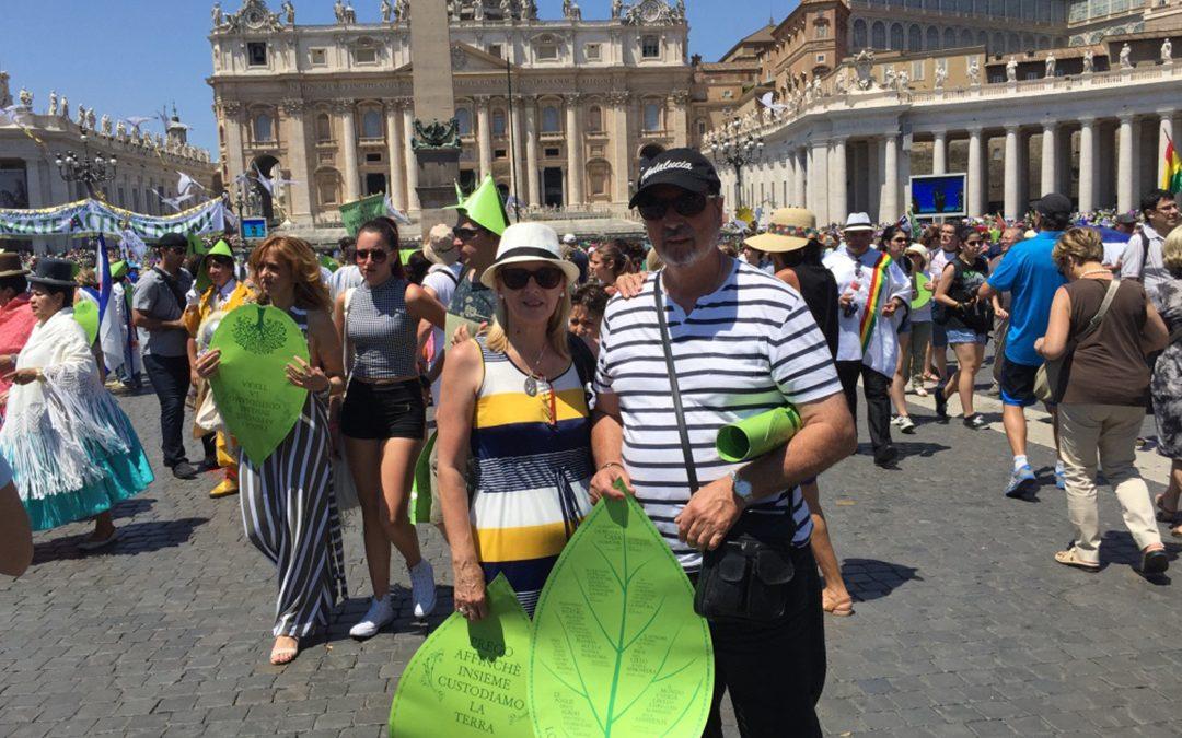 """Los participantes de la marcha """"Una tierra, una familia humana"""" apoyan la carta encíclica """"LAUDATO SI"""" del Papa Francisco"""