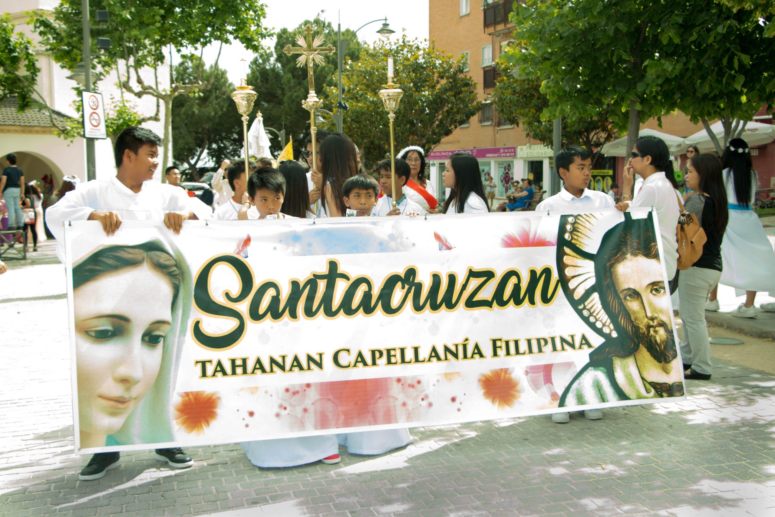 Los Católicos Filipinos en Madrid se unen para Celebrar una Tradición Mariana.