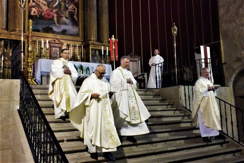 Mirek SVD peregrina al Monasterio de Yuste (Cáceres) con los polacos de su Capellanía de Madrid