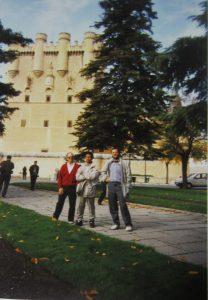 Ángel ante el Alcázar