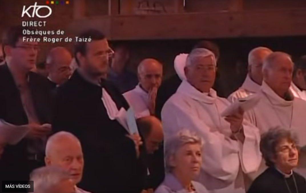 Por ser domingo aquí 'otra misa', de 2005, y funeral pausado: tiempo