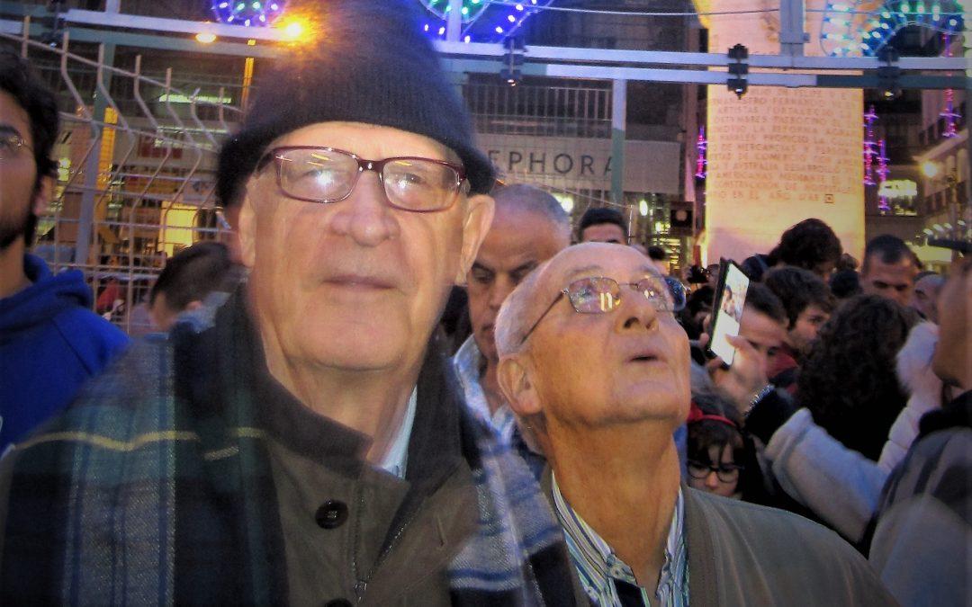 Noche del 24 de noviembre, a un mes de la Navidad y en el km 0 de la Puerta del Sol