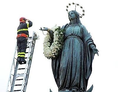 El gozo de la fiesta de la Inmaculada en España, y desde ella en
