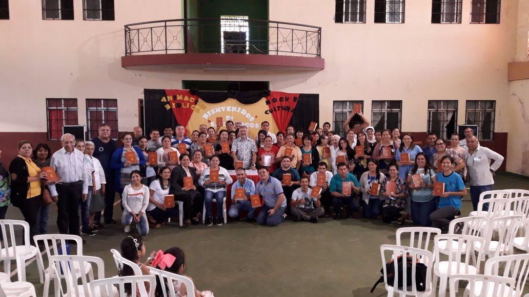 Desde nuestra Fundación Bíblica (SVD·ESP) Todos en Paraguay con su ejemplar de la Biblia de Lavorati