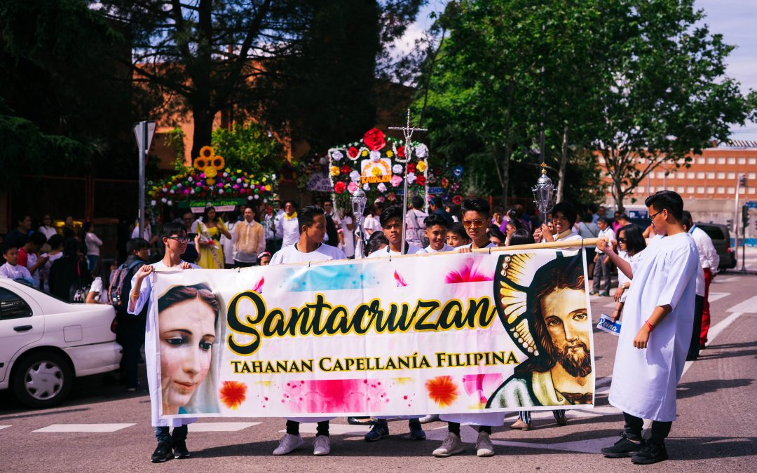 La Capellanía Filipina Tahanan celebraba el Santacruzan en Madrid