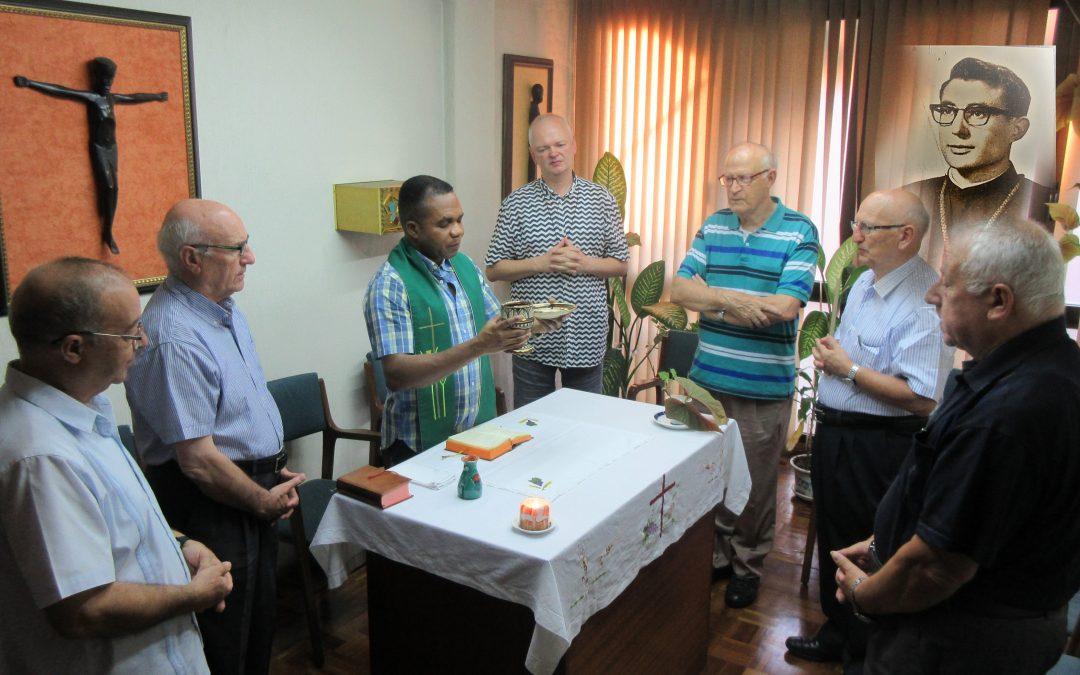 Máximo Esteban en CdM19, Indonesia y Cielo, y Juanjo Donázar que regresa a Ecuador, con su otra y también nuestra Familia