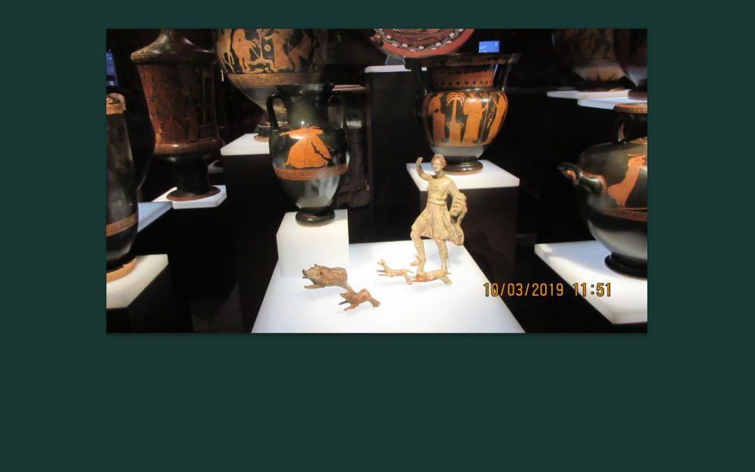 Un hendedor, este y otros hallazgos en el Arqueológico